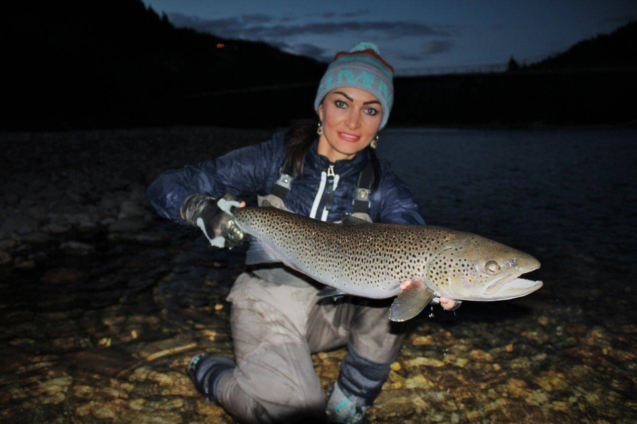 Kristina with her nice Seatrout from Beat G1.