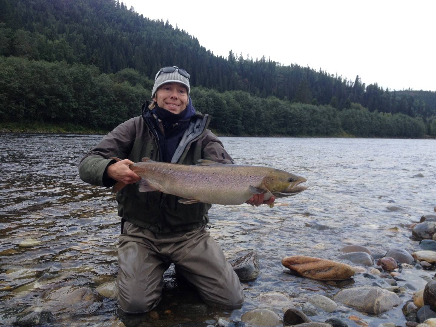 Thies with his fish of about 6kg from Beat B1.