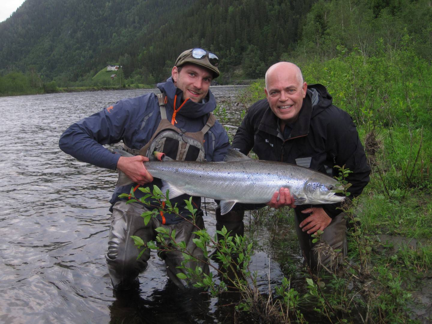 Guide Marcus and Craig Stemmer with his nice salmon from BS1.