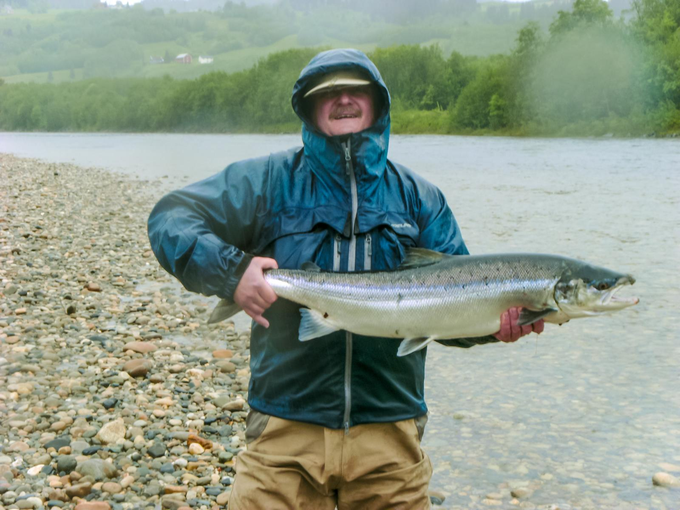 Roland with salmon Nr 1. for him – weighing 7,5kg.